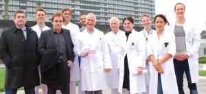 Krebsbehandlung ist Teamarbeit: Ärzteteam der Asklepios Klinik Altona mit niedergelassenen Onkologen