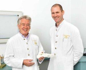 Dr. Jürgen Walpert und Dr. Martin Wiemann in der Klinik Fleetinsel