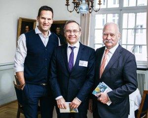 Prof. Dr. Christoph U. Herborn, Prof. Dr. Karl-J. Oldhafer und Prof. Dr. Friedrich Hagenmüller auf dem 1. Hamburger Krebskongress in der Handwerkskammer (v.l.)