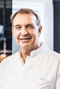 Zahnmediziner Dr. Thomas-Marc Schulte