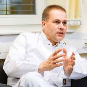 Prof. Dr. Gerhard Gebauer ist Chefarzt der gynäkologischen Abteilungen in den Asklepios Kliniken Barmbek und Nord