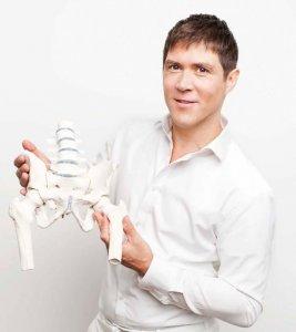 Hilft Sportlern bei Verletzungen der Hüfte: Dr. Alexander Moser