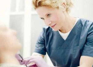 Dr. Susanne Steinkraus gibt der Haut die natürliche Frische zurück