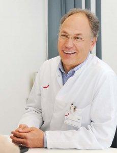 Prof. Kuhlmann im Beratungsgespräch