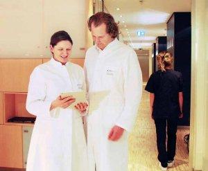 Hamburger Klinik: Prof. Dr. Jens Waldmann und Priv.-Doz. Dr. Julia Holler-Waldmann